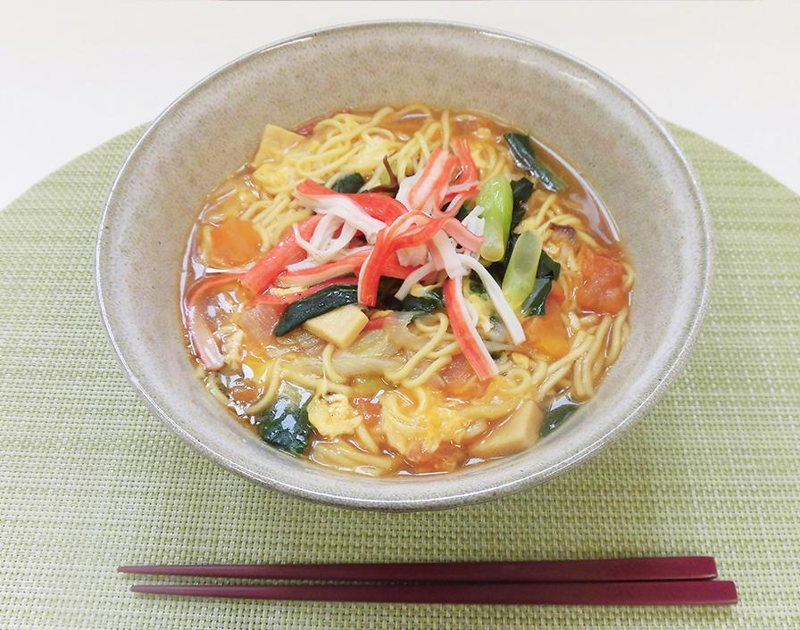 即席めん(しょうゆ味)で酸辣湯麺